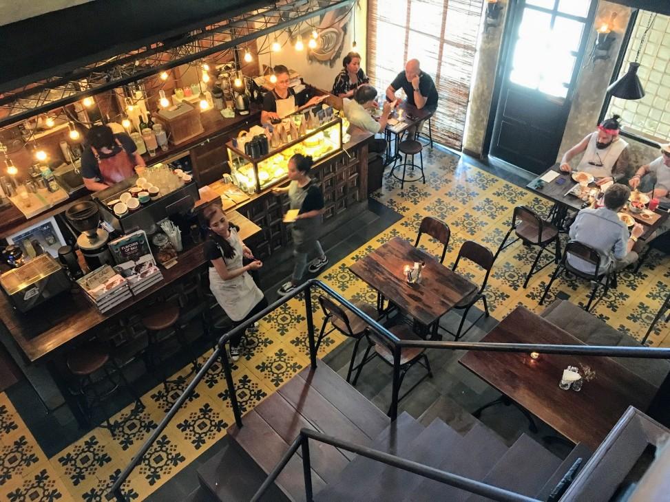 Working Cafe Bali: Pison Coffee Travel Seminiyak Cafe Best